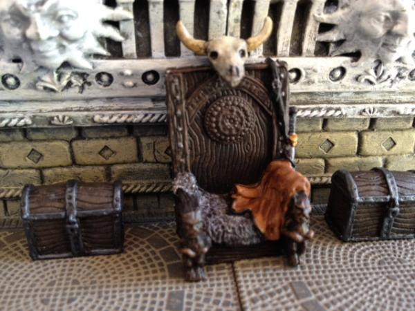 Mega Miniatures - barbarian throne and chest 5.jpg