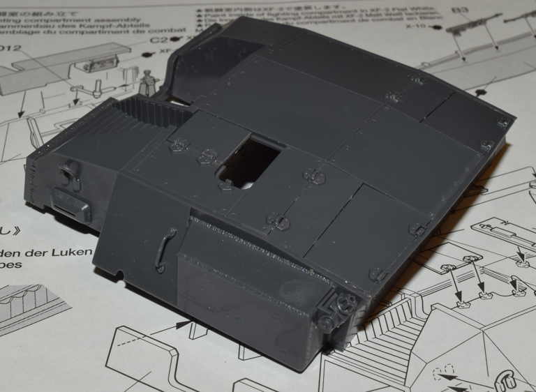 stugIII_015c_fighting_compartment_left_rear_components.jpg