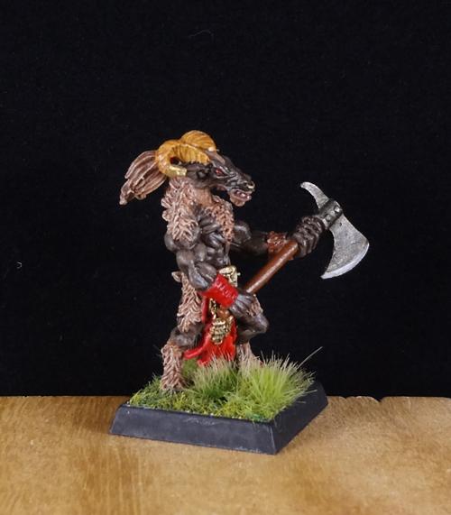 Beastman-Bestigor-Warhammer-Painted-Reaper-Miniature-002.jpg.e462f19748fa8803f05a7698ea9a4756.jpg
