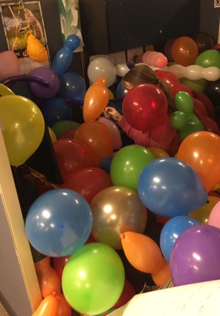 balloon.jpg.c6735c4995f6bdcf9ed39908905620a7.jpg