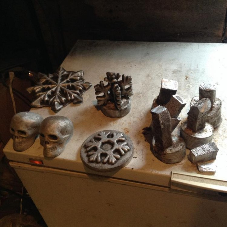 NewFurnace_Castings_First2Pours.jpg
