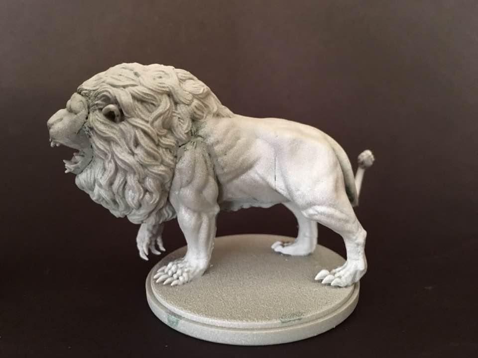white primed lion1.jpg