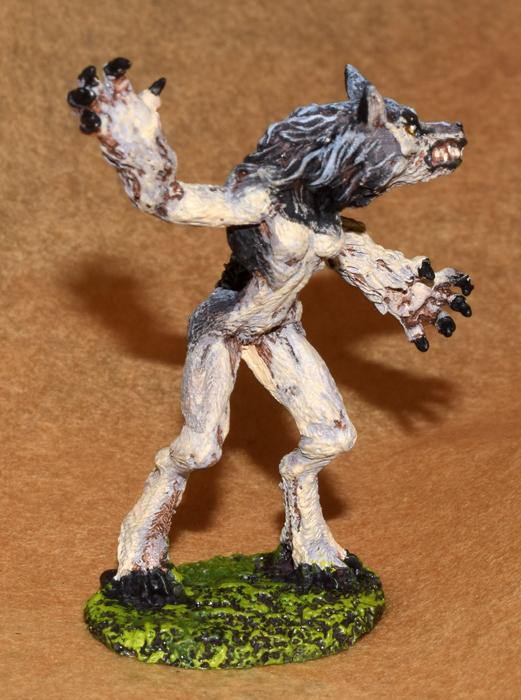 DSC_0837-Grey-female-werewolf.jpg.f02a93b5aaab62a96d0e4e0da6ad4b1f.jpg