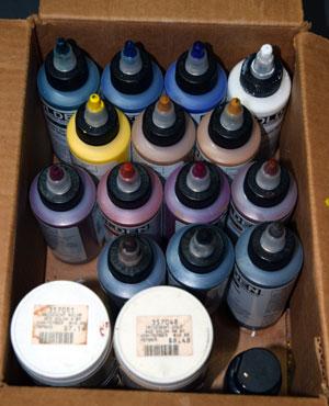 Paints.jpg.738e2cb43c32ac95cb6fd953f953cdd4.jpg