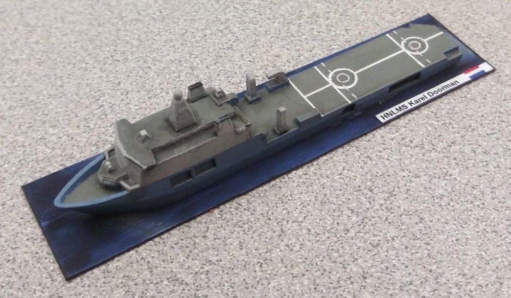 Minis - HNLMS Karel Doorman.jpg