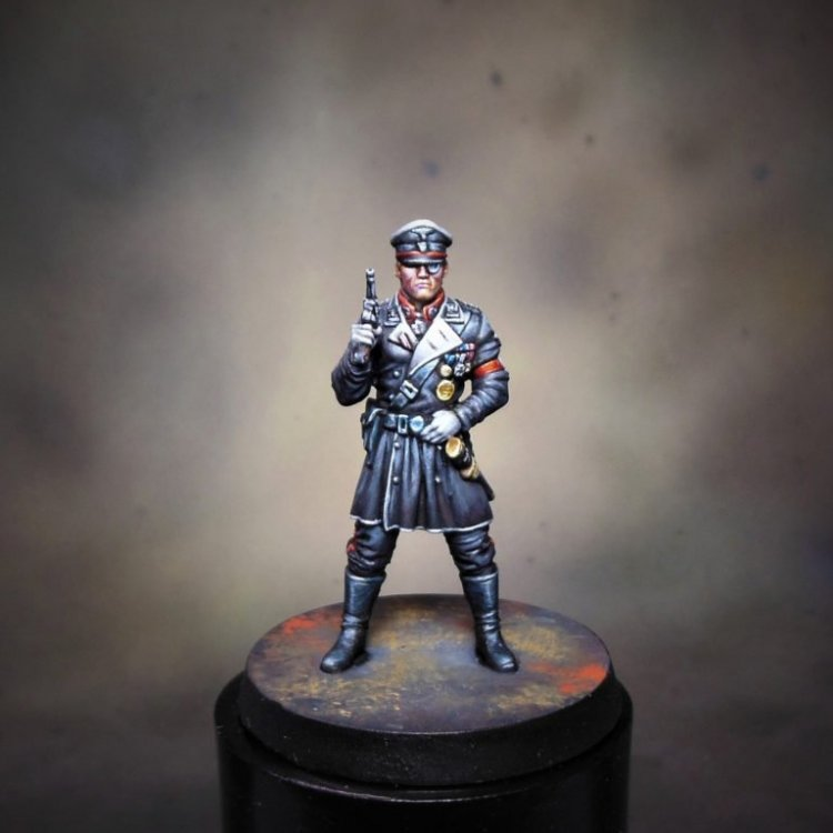 Miniature-Nazi-Officer-768x768.thumb.jpg.04406b97cffb81be1562e9da62bd9e18.jpg