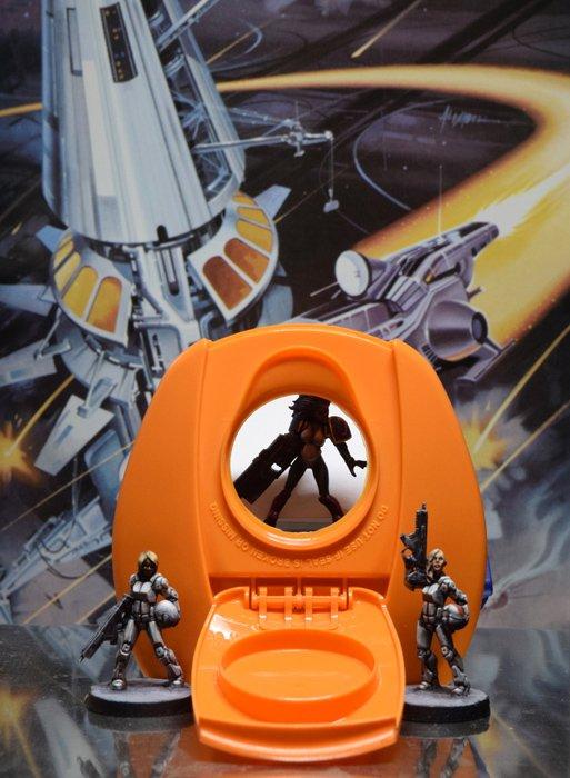DSC_0446-Tropicana-juice-carafe-lid-miniature-spaceport-portal.jpg.ad311d6aa95d92a4df83015f90dd73b3.jpg