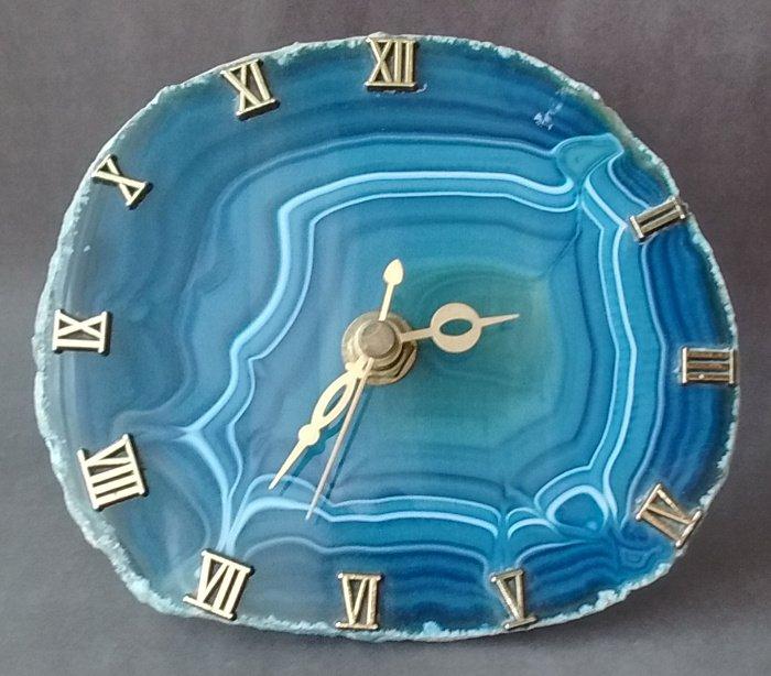 clock2.jpg.d7ec9eac38f738fdbf18241e15d94348.jpg