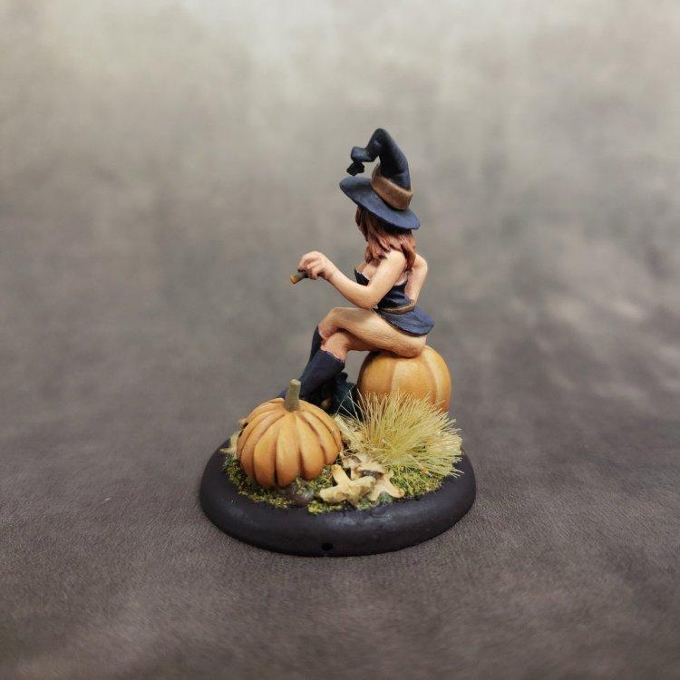 2009 Halloween Sophie Back.jpg