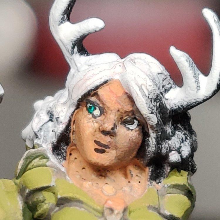dreadmere-priestess-32.thumb.jpg.83b5292c8482478d89e296e3483e9feb.jpg