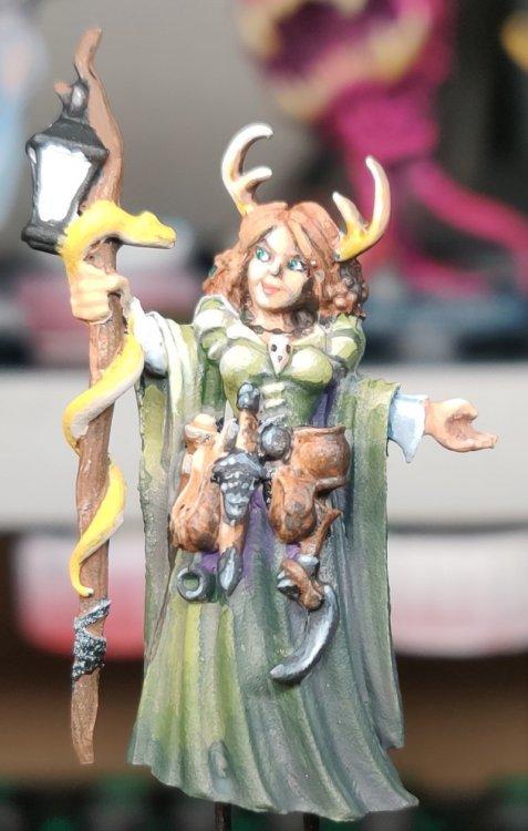 dreadmere-priestess-90.thumb.jpg.34c6bbc7a05b74535e522cc520a59292.jpg