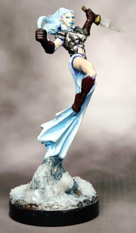 ice-queen-01.thumb.jpg.8d1553721aec6b4dd3f98867a089d135.jpg