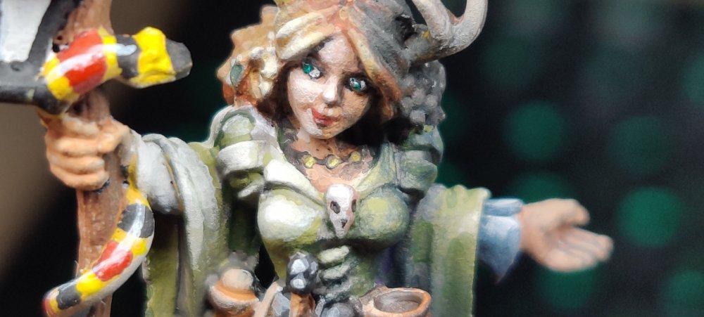 dreadmere-priestess-101.thumb.jpg.49bb590cc37d78f9218c768bb1e79c44.jpg