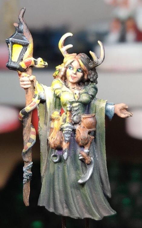 dreadmere-priestess-123.thumb.jpg.df6b553aa3368106e3f8743dca37f550.jpg