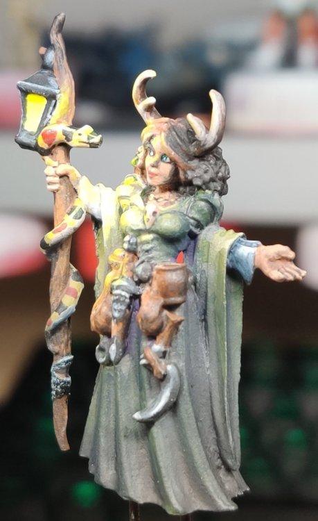 dreadmere-priestess-124.thumb.jpg.7f9a085fbe3e5f8d96e6fa1cbab84194.jpg