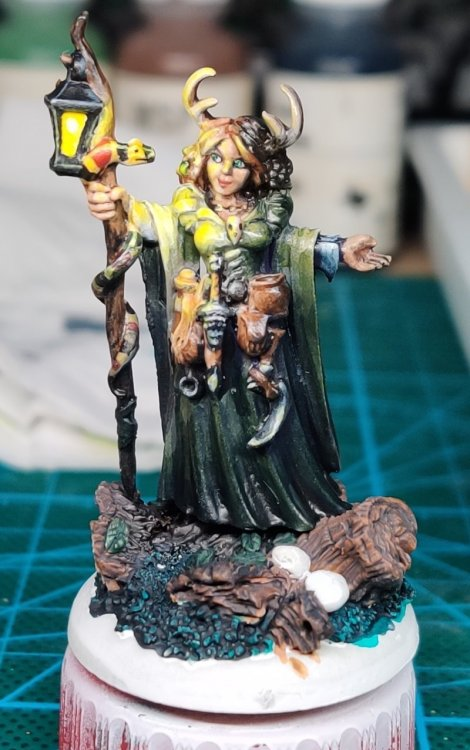 dreadmere-priestess-144.thumb.jpg.359e05a64e8526ba264770b78aa21c2b.jpg
