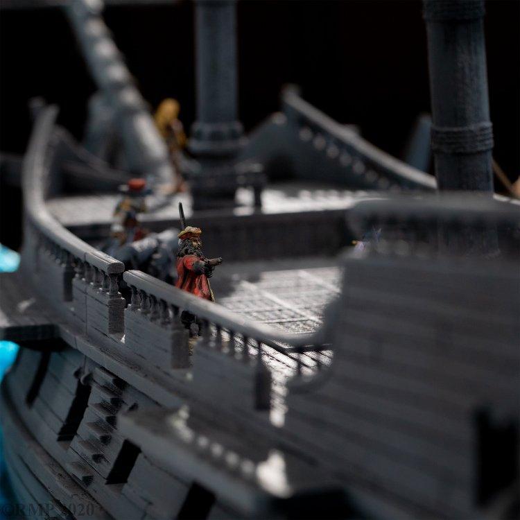 Back_Facing_Pirate_shot.jpg