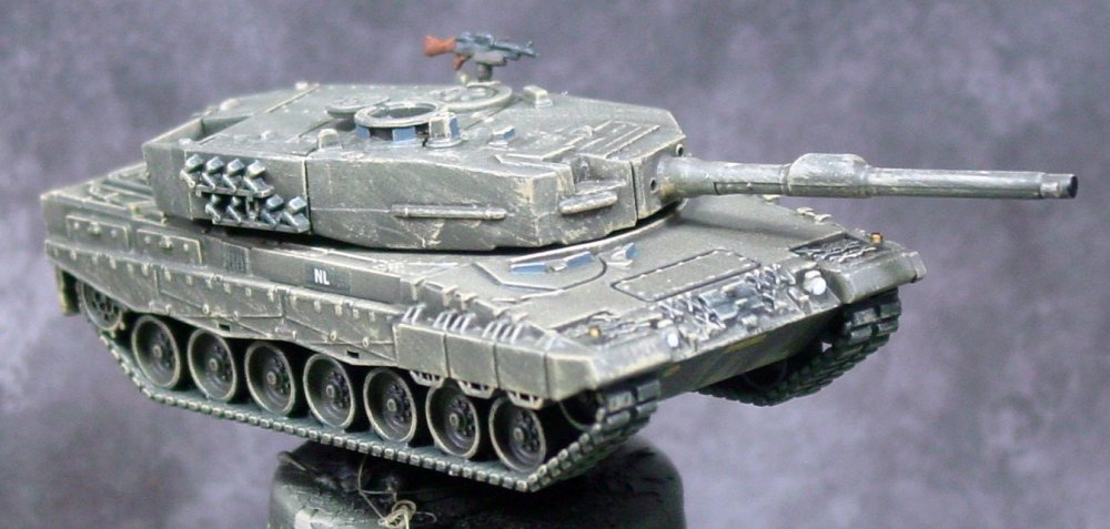 YPR-765 and Leopard 2s 014.JPG