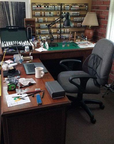 Desk_v3.jpg.6e2aa75db93970e404b3b4795daf939e.jpg