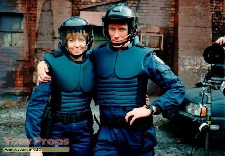 Robocop-Lewis-police-jumpsuit-2.jpg.e33d3d3a83b3404ebd6b9de4c90a4759.jpg