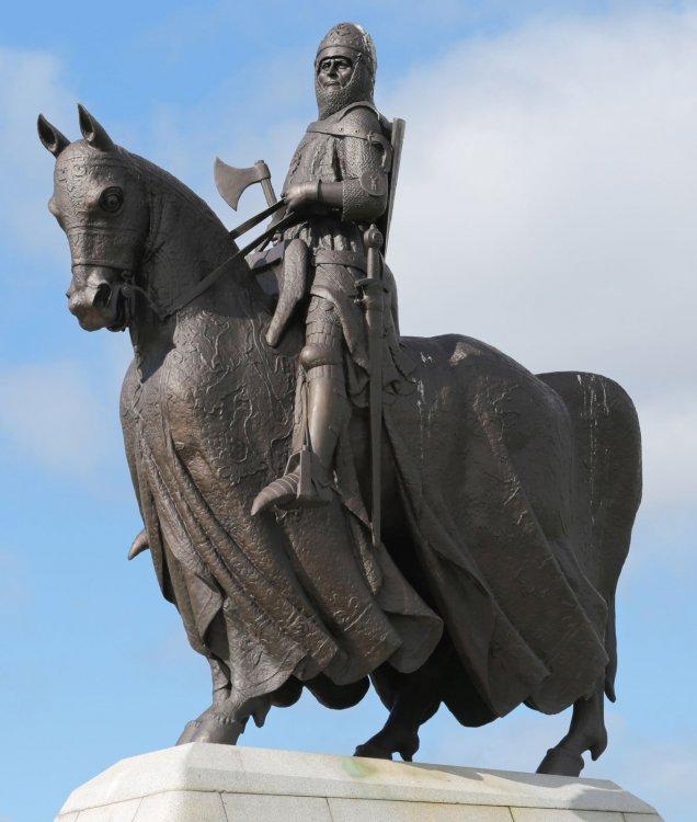 Statue-Robert-the-Bruce-Bannockburn-Heritage-Centre.thumb.jpg.2c15ca37213365a5122b400ec9b2fb0e.jpg