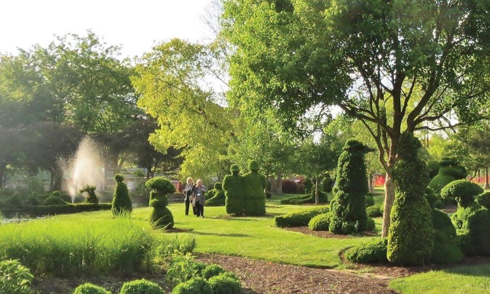 Topiary-Park.thumb.jpg.5bb0e375bdcd39b581b8d0937f2ae199.jpg